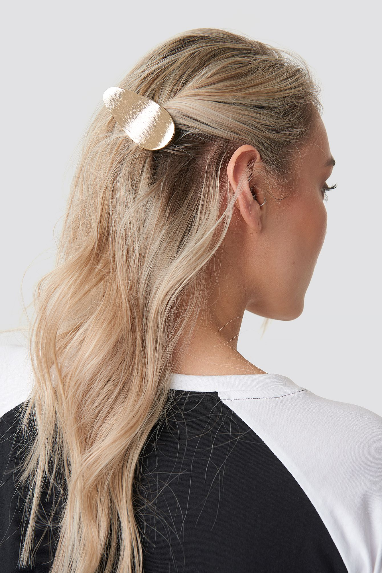 Uneven Metal Hair Clip Gold Hair Styles Long Hair Styles Metallic Hair