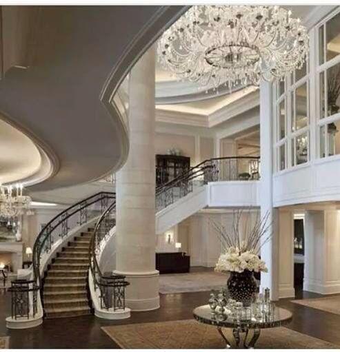 Recepción blanca de mansión House, Atlanta hotels, House