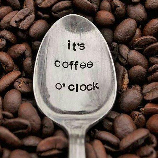 Siempre es hora   #cafe #coffee #coffeeadict #coffeelover #peroprimerocafe #peoplebrewcoffee #butfirstcoffee #coffeeadict #moncadad
