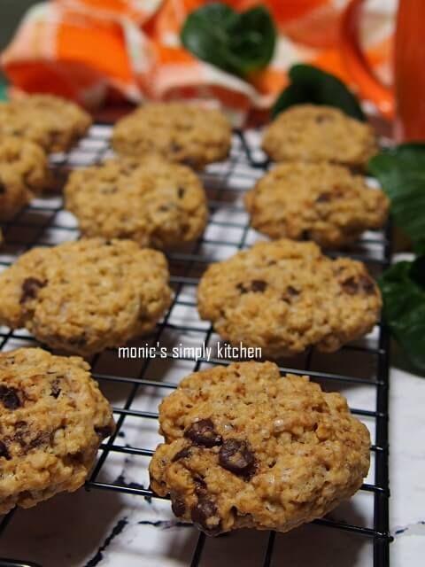 Kue Kering Sagu Keju Cornflakes Sagu Keju Thumbprint Cornflakes Sagu Keju Monic S Simply Kitchen Makanan Resep Kue Kering