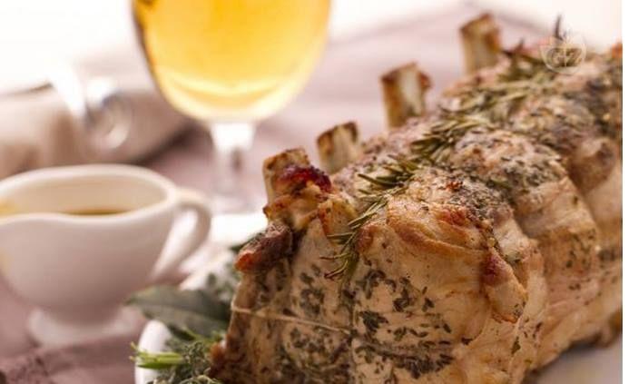 sulla tavola delle Feste, la nostra #birraartigianale. Arrosto di maiale con Spiga di legno: http://ow.ly/FPDQq