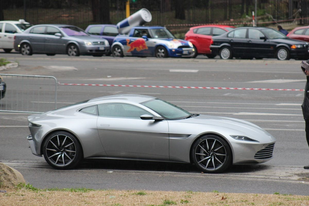 aston martin db10 (interior & exterior) - james bond 007 spectre