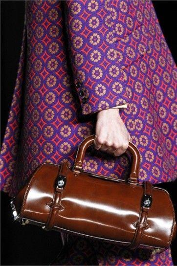 Moda anni 60, bauletto Miu MiuStile anni 60 per la borsa bauletto in pelle dalla collezione autunno inverno 2012 2013 di Miu Miu