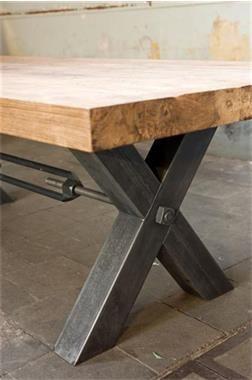 Grote foto industri le teak tafel met staal 250 cm for Mobilia furniture hire