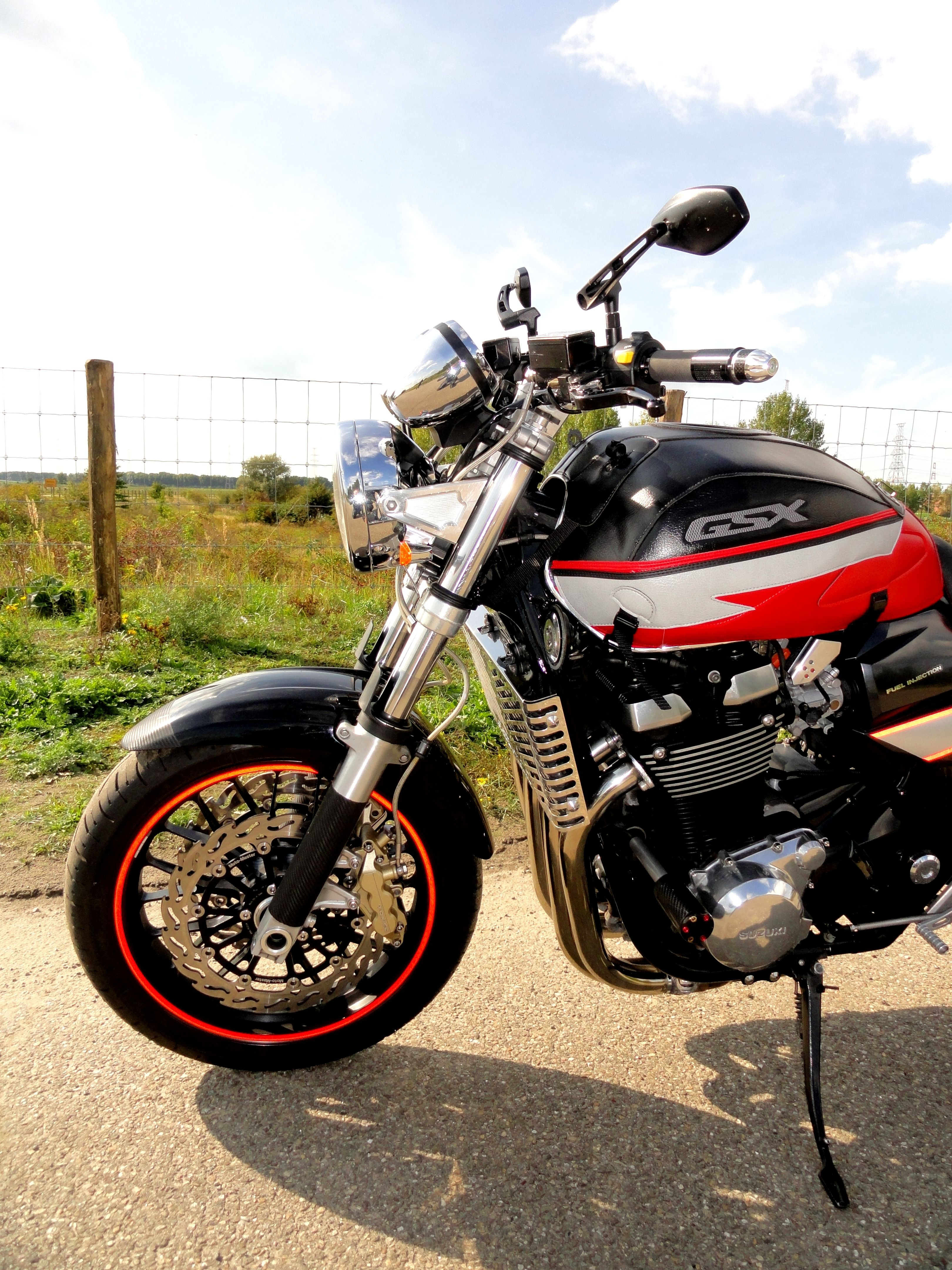 Pin by nikos fragiadoulakis on love moto | Suzuki gsx 750 ...