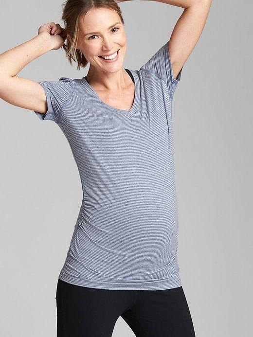 ec8cbc2017931 Maternity GapFit Breathe V-Neck T-Shirt | Products | V neck tee, V ...