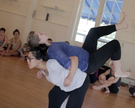 Pilobolus Dance Theater In Amenia A Community Grows By Leaps And Bounds Health Articles Wellness Amenia Dance Life