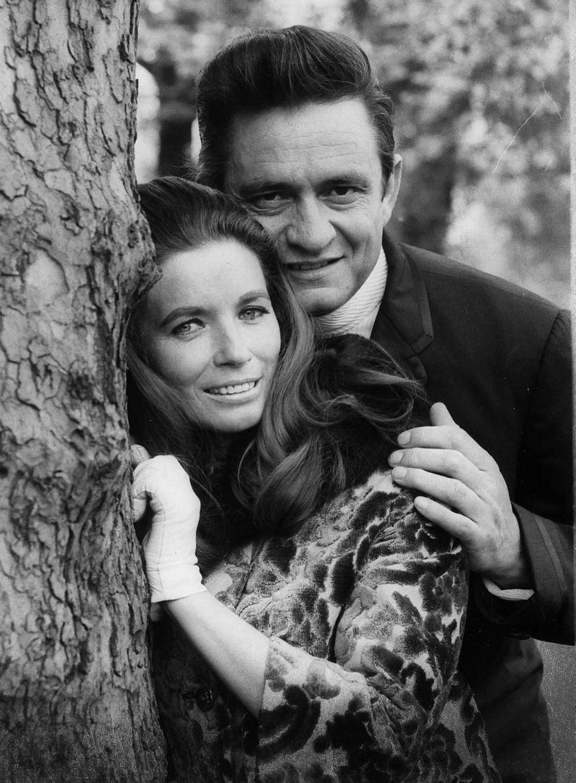 Johnny Cash dating historia