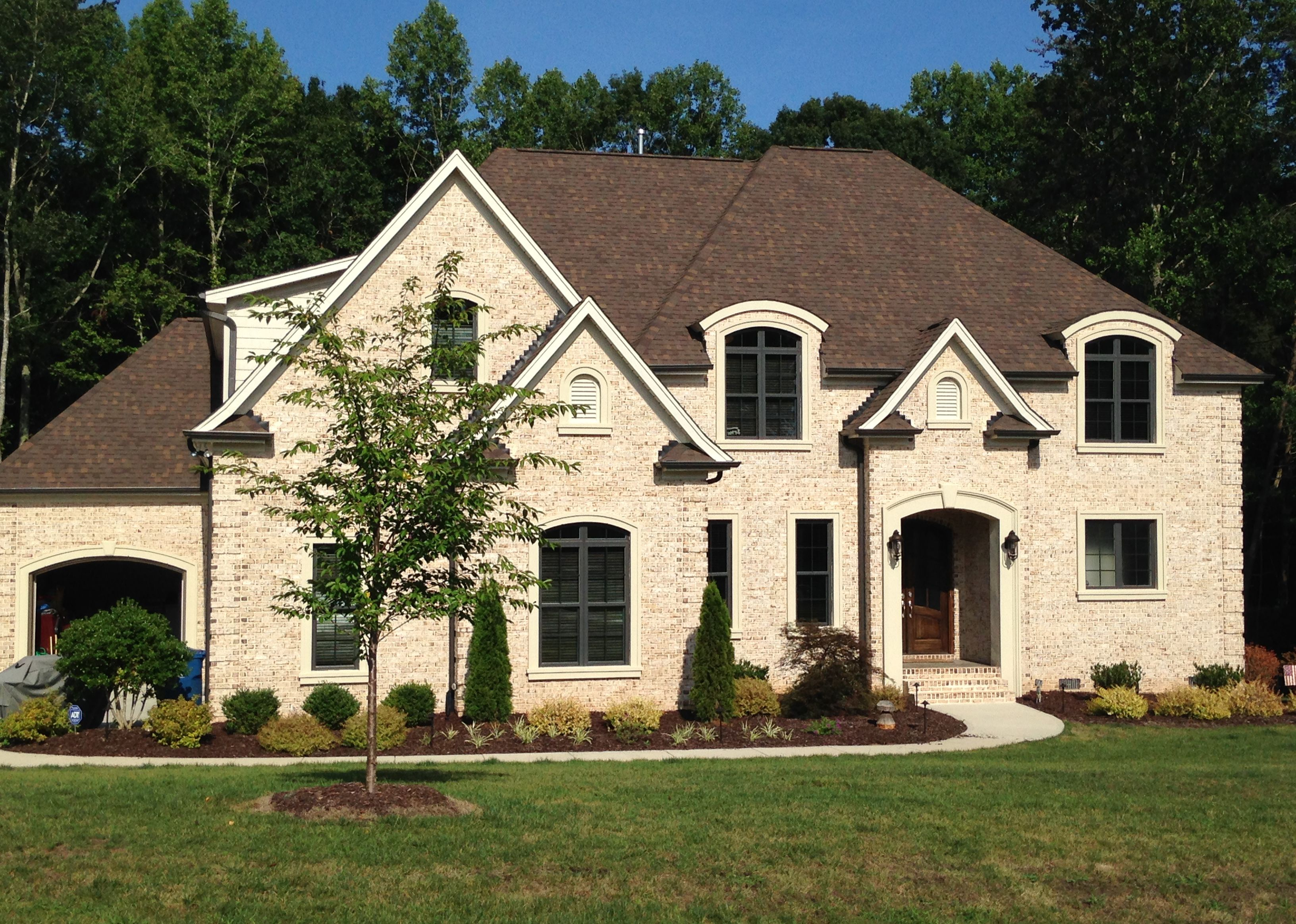 Best Oyster Pearl Brown Roofs Exterior Brick White Brick 400 x 300