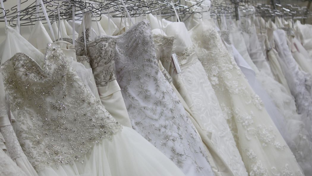 Best 25 wedding dress resale ideas on pinterest you for Consignment wedding dresses bay area