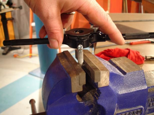 How To Use A Tap And Die Set Used Woodworking Tools Woodworking Tools Woodworking