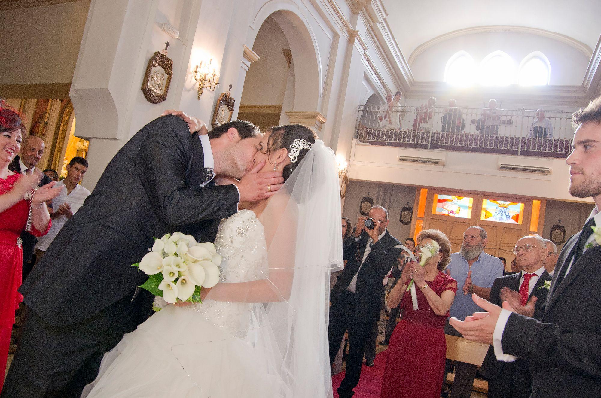 4d707fef844 Puede besar a la novia! You can kiss the bride! | Mis reportajes de ...