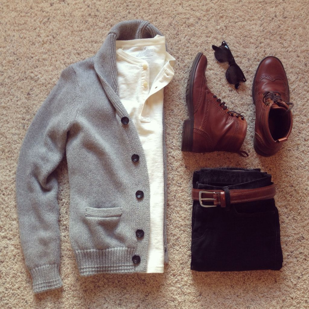 Cardigan/Henley/Jeans/Glasses: American Eagle | Boots: H&M
