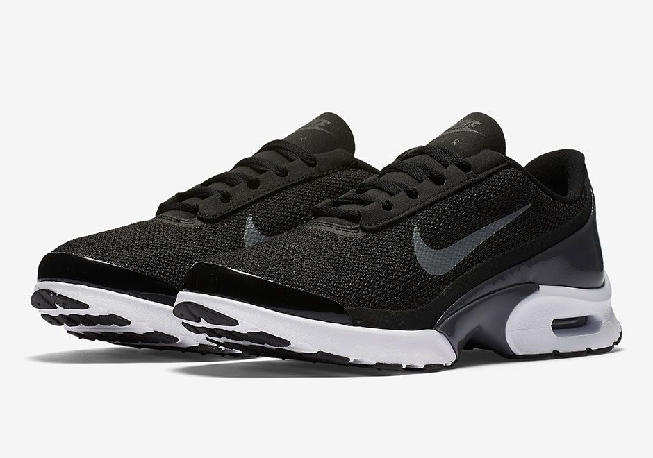 #sneakers #news The All-New Nike Air Max Jewell Releases In March