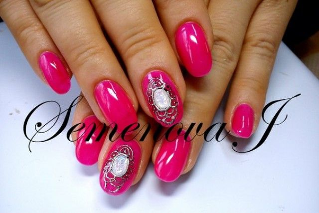 neon lila k nstliche n gel motive yulia 2014 mit steinen nageldesign bilder by world nails. Black Bedroom Furniture Sets. Home Design Ideas