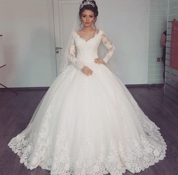 Lovely, romantic, classic. | Long Sleeve Wedding Dress | Pinterest ...