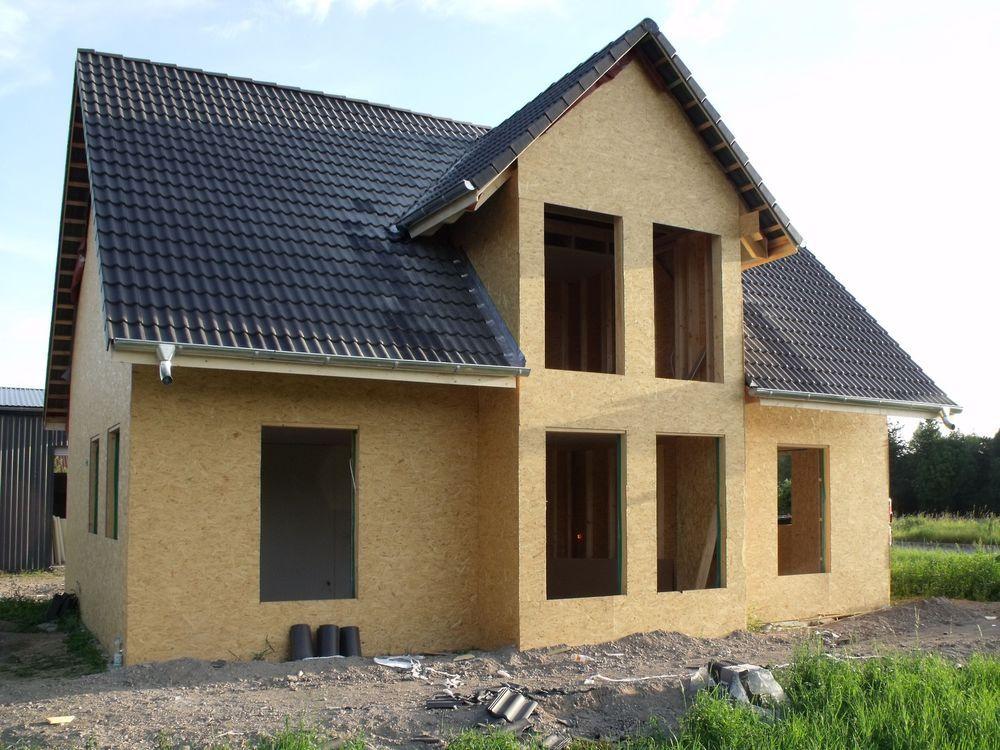 Holzrahmenhaus Rohbau mit Dacheindeckung und Montage Passivhaus ...