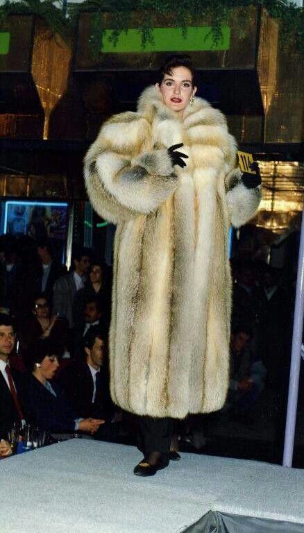 Fur Lover | fox furs - Fur, Fur fashion en Fox fur coat