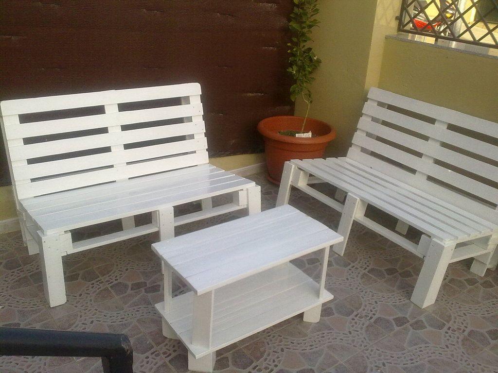 Bancos de jardin realizados con pallets sillas y otros for Bancos jardin