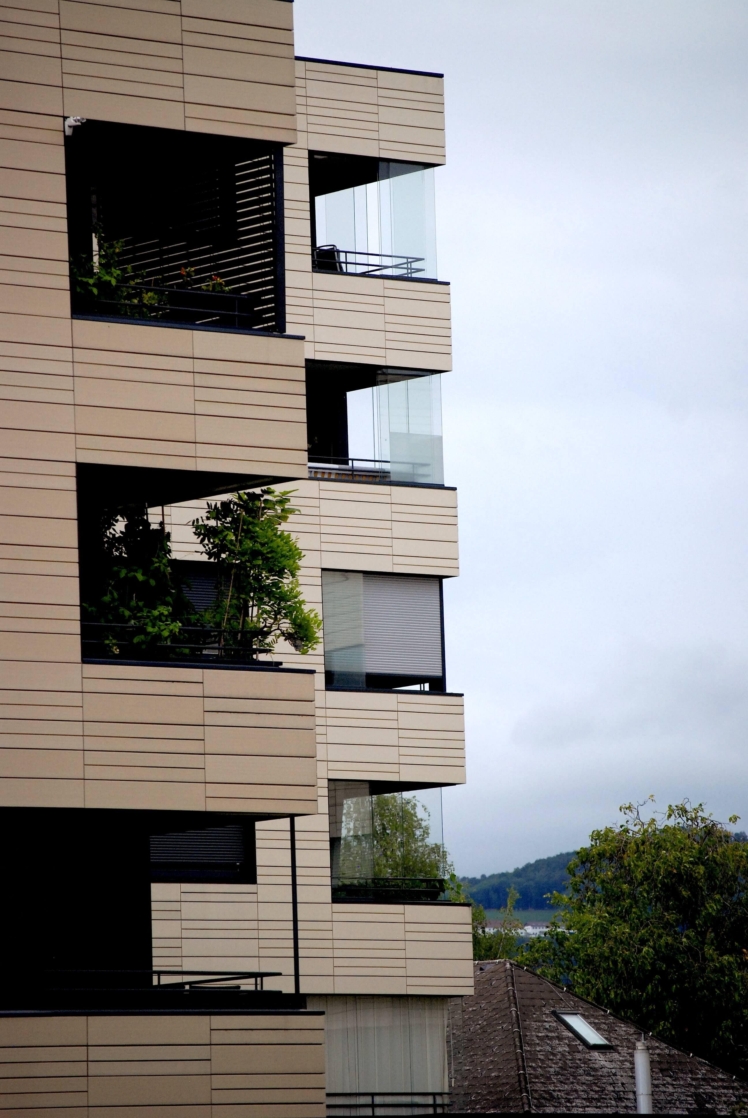 Bevorzugt Windschutz aus Glas für Balkon, Loggia und Terrassen WH42