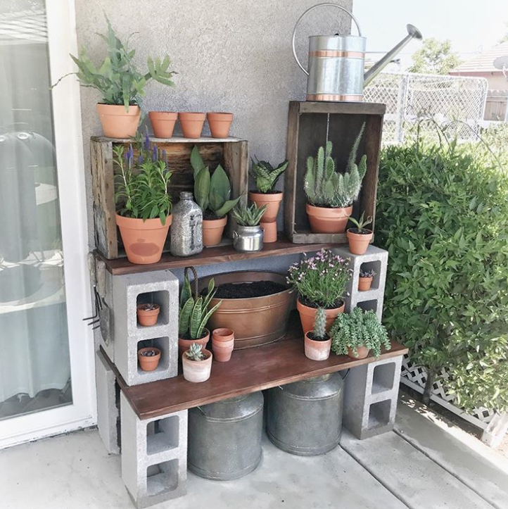Cinder Block Potting Station: Or How About A Table, Like This Genius DIY  Potting