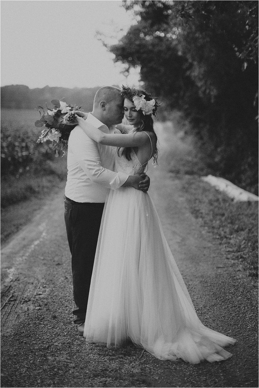 Nature wedding dress  Ellie u Guy  Photographers and Photography