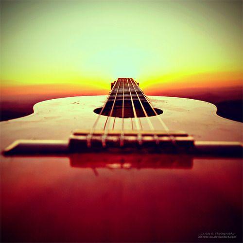 Pin De Doug En Guitar Imagenes De Guitarras Acusticas Guitarra Tumblr Fotografía Guitarra