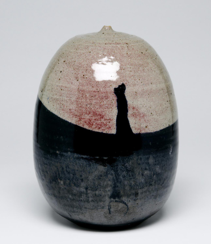 Toshiko Takaezu, American, 1922 - 2011