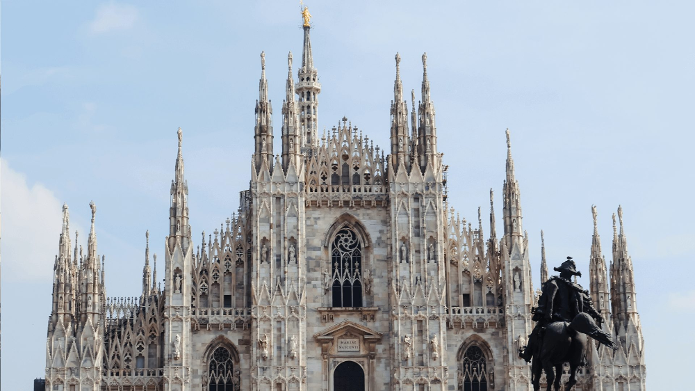 8 Free Zoom Backgrounds For The Travel Lover Saba Bok Duomo In Milan In 2020 Travel Lover Portland Travel Travel