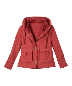 Cool days and outdoor adventures call for performance pieces that also flatter. Made with water- and wrinkle-resistant fabric and boasting a lined hood to stay dry, this outer layer is a stunning travel companion in any season.