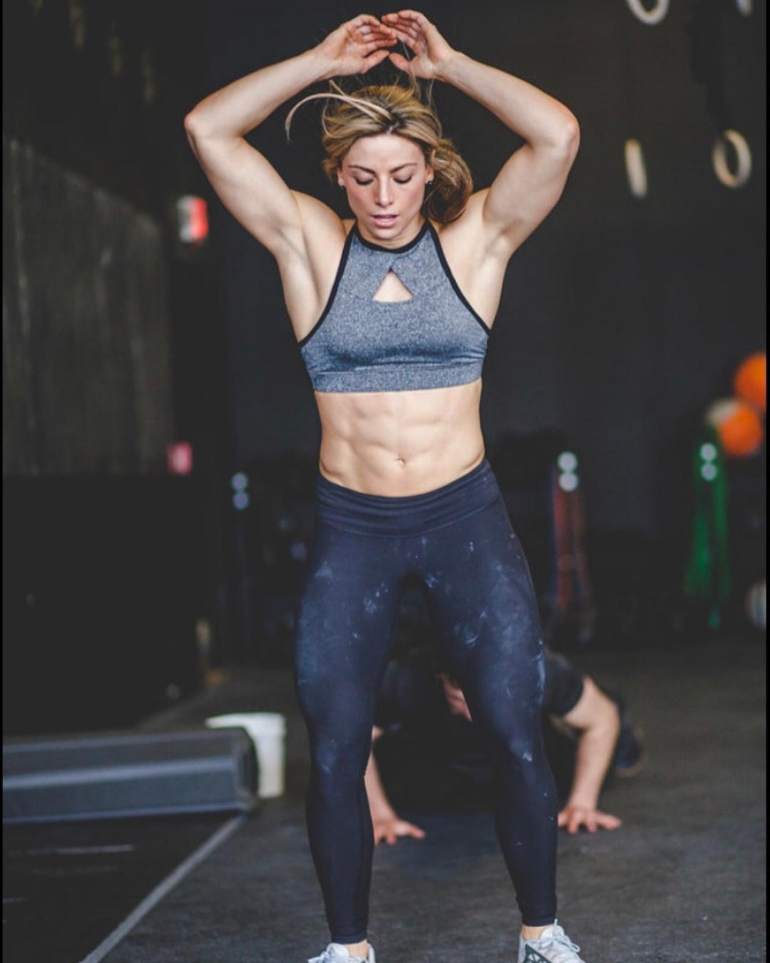 bra pre workout
