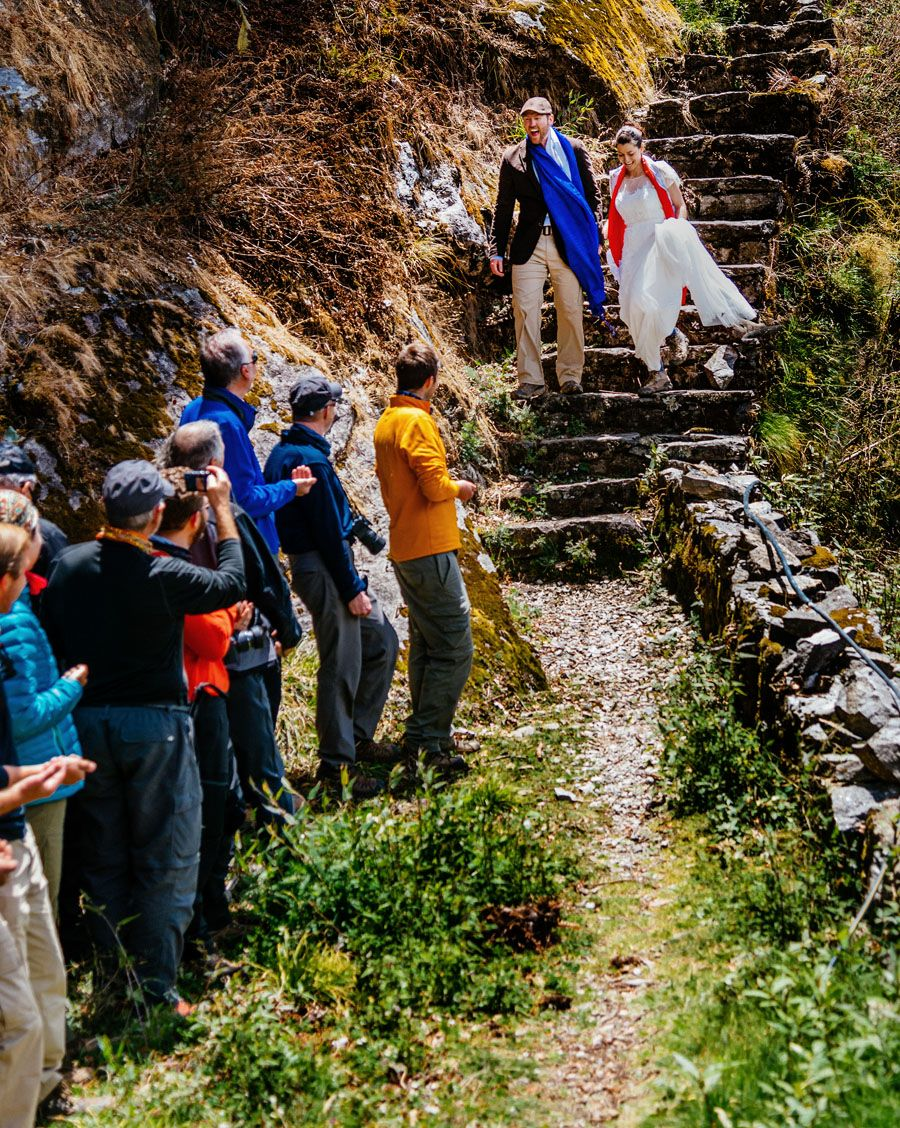 Just married on mt everest mt everest nepal wedding story beauty
