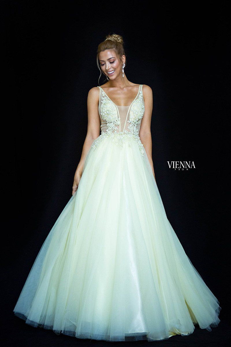 Vienna Prom Dresses Gowns In Michigan Prom Dresses Jovani Dresses Prom Dresses Gowns [ 1200 x 800 Pixel ]