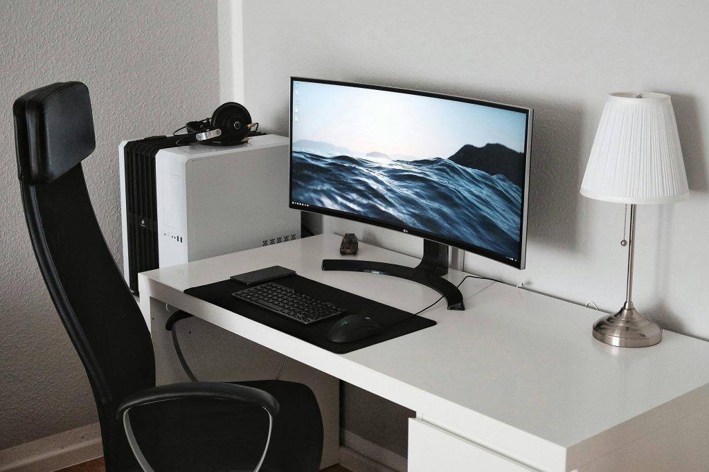 best desk setup s in 2019 minimalist computer desk desk setup desk rh pinterest com