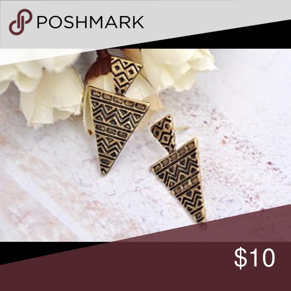 Antique gold tribal arrowhead Aztec stud earrings Antique gold arrowheD earrings / with Aztec tribal print patters // studs // 1 1/4 inch in length & 3/4 inch width // ***RETAIL price are FIRM unless bundled **** Jewelry Earrings
