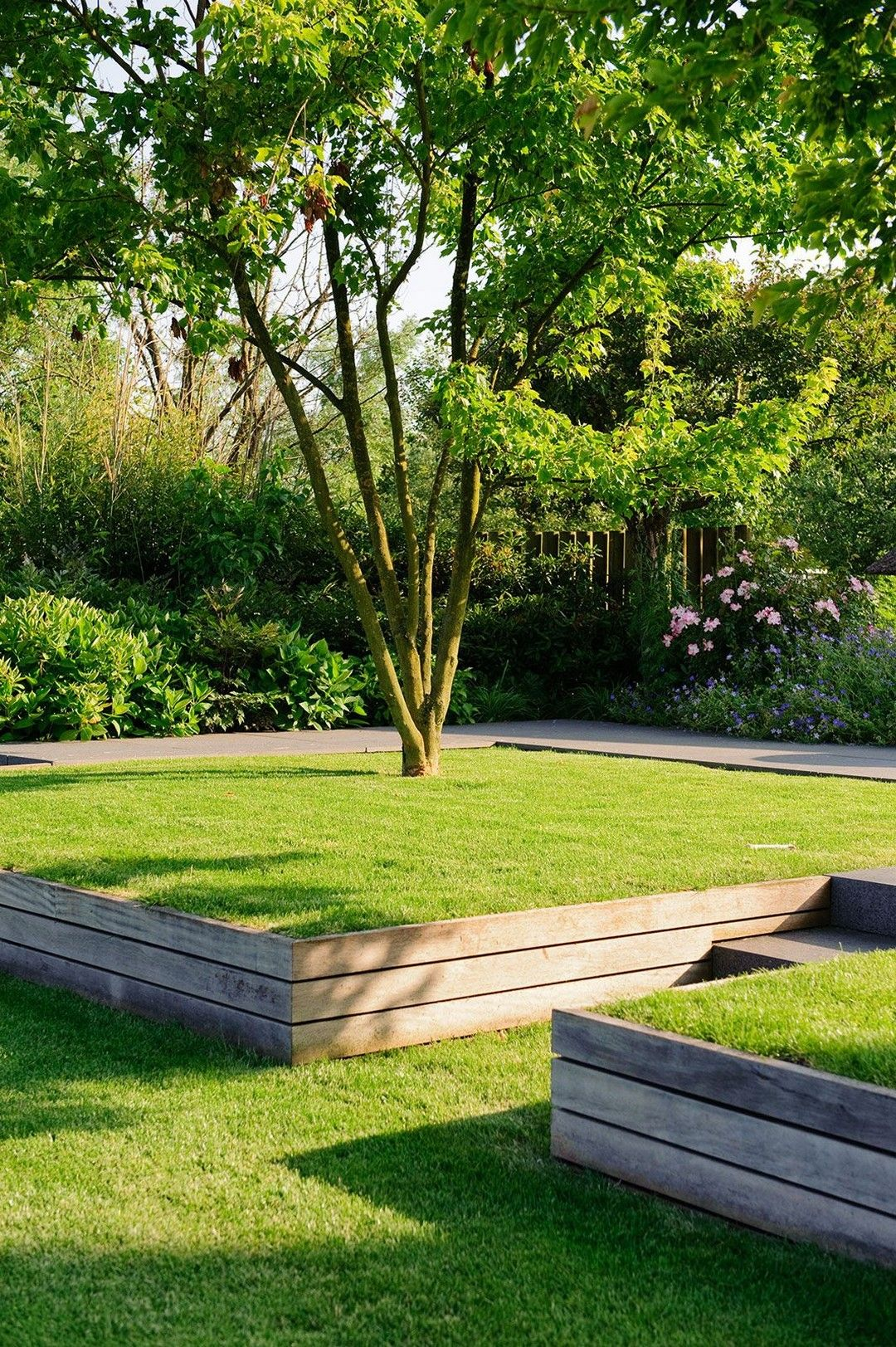 Crazy Front Yard Retaining Wall Landscaping | Landscaping ... on Terraced Front Yard Ideas id=64676