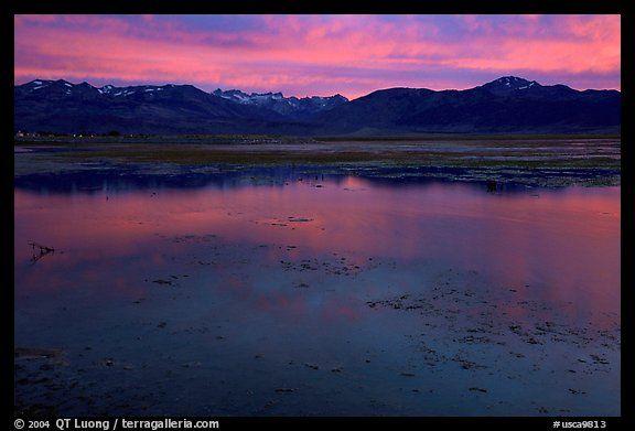 Bridgeport Reservoir, sunset. California, USA