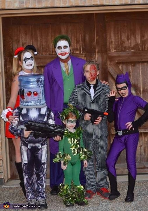 We went with this theme because we all love Batman! Joker, Harley Quinn,  Catwoman, and 2,face were pretty.
