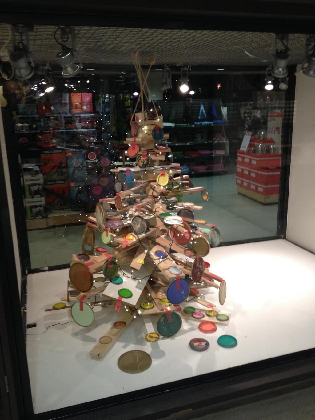 The diy do it yourself christmas treestyling by nijhof baarn the diy do it yourself christmas treestyling by nijhof baarn solutioingenieria Images