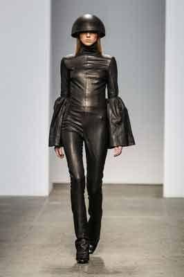 Wonderfully Weird. Kanarian Kindred Talks Us on a Joyful Fashion Stroll Through Italy!! Guest Blog!