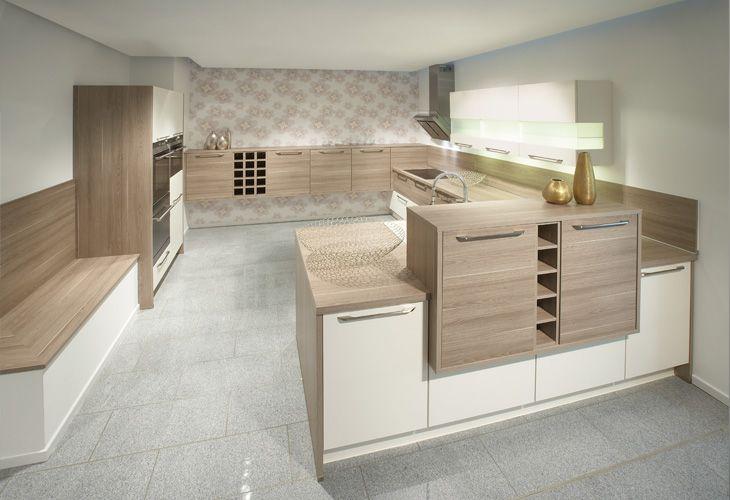 Küche in hellem Holz von Nobilia / Bright wood kitchen by Nobilia - www küchen quelle de