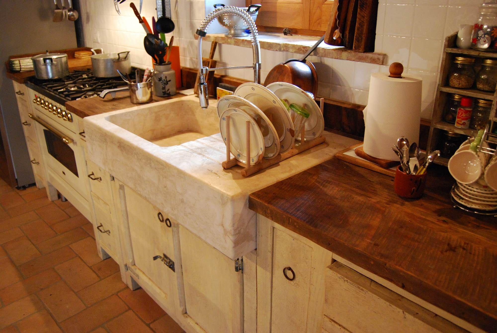 Cucine Stile Country Provenzale.Lavandini Da Cucina Stile Country Con Cucina Provenzale Decapata La