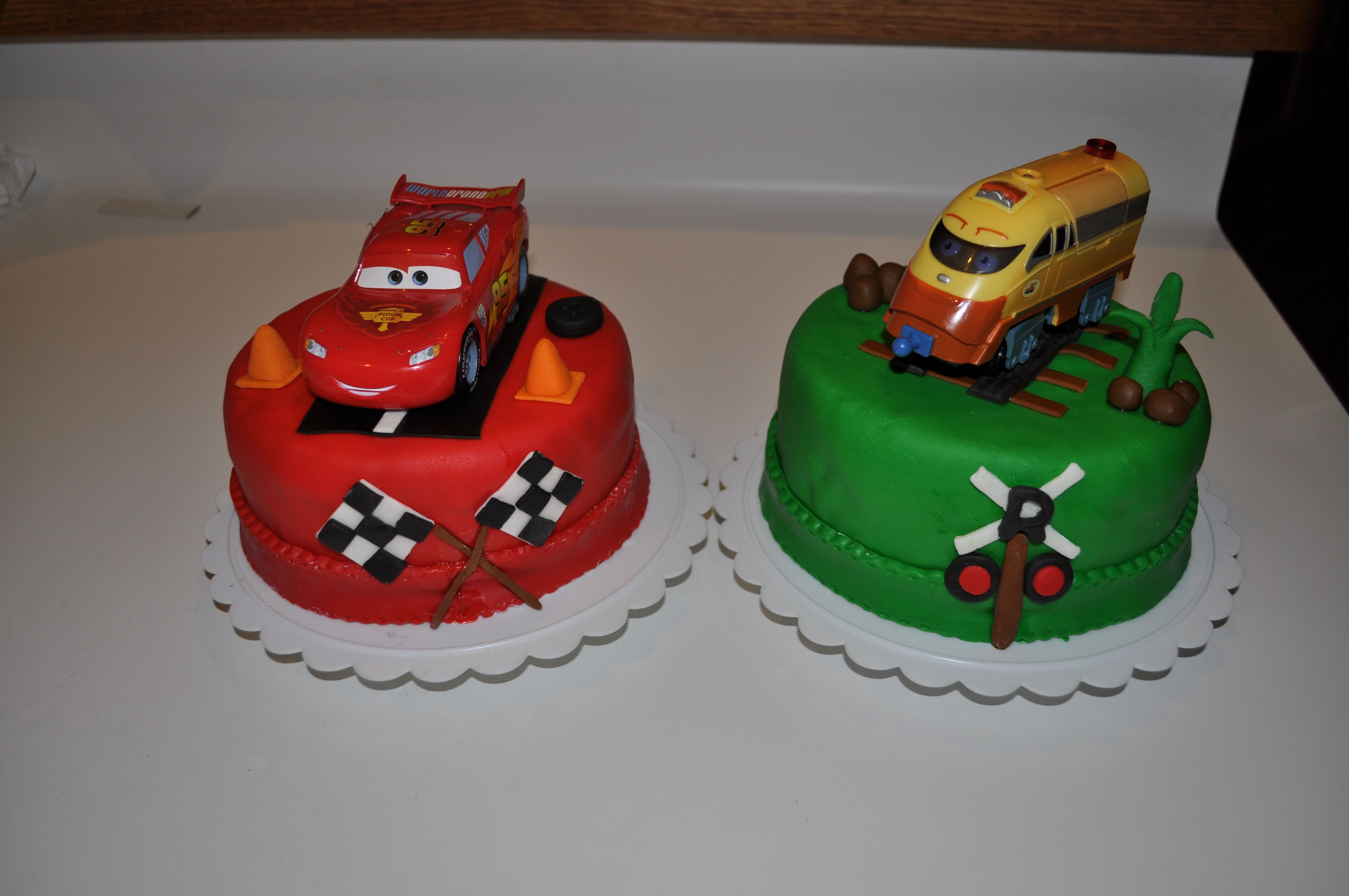Lighting Mcqueen Chuggington Chugger twins boys bday cakes Made