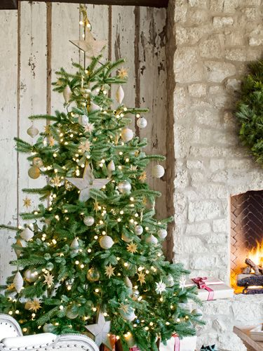 20 Cool and Creative Christmas Tree Toppers Tree toppers, Creative
