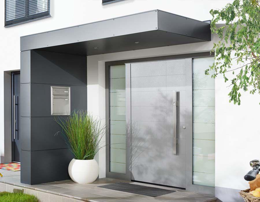 Vordach für Haustüren von Siebau modern outdoors and landscaping - outdoor küche holz