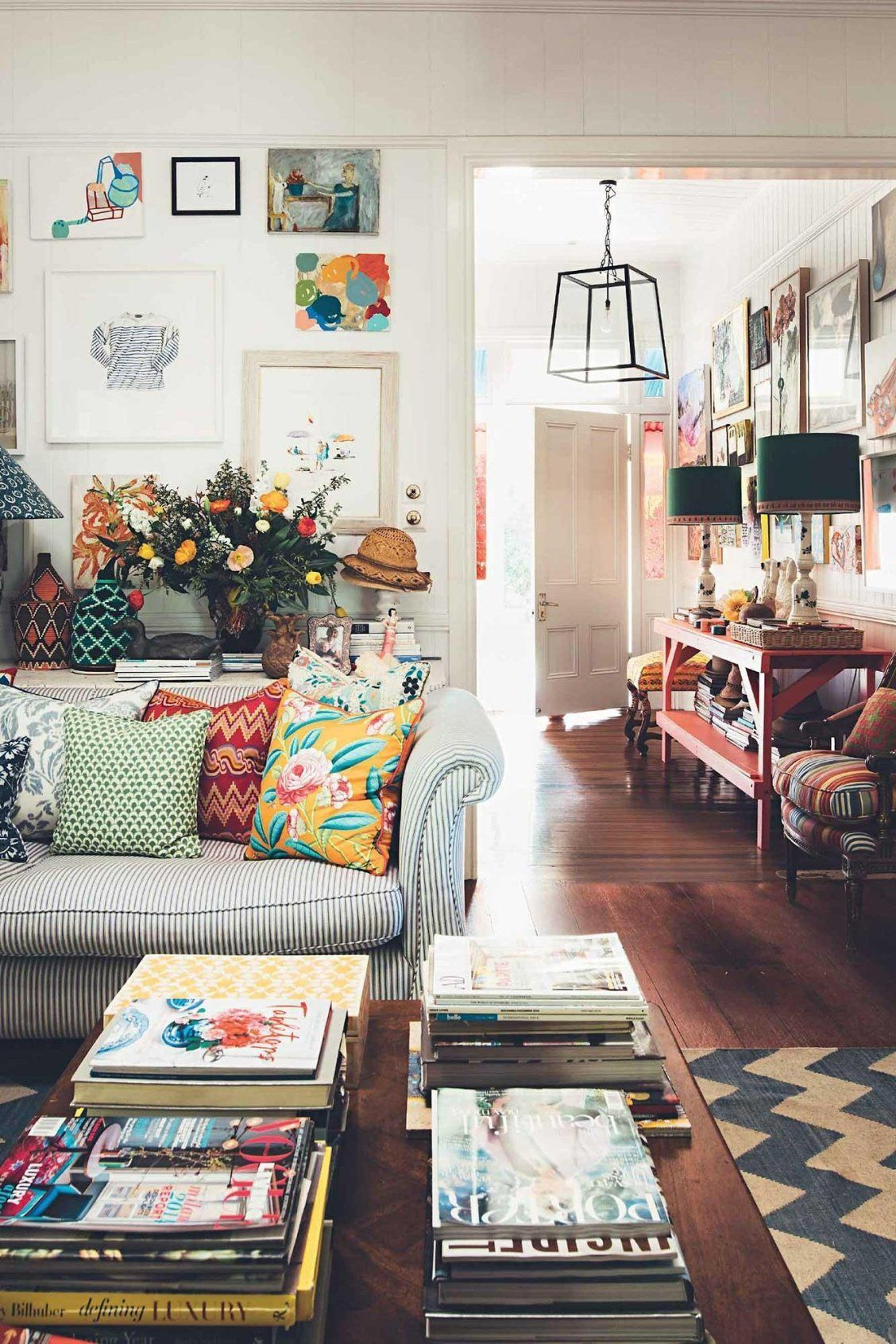 Decorative Matching Living Room: Mix And Match Patterns.