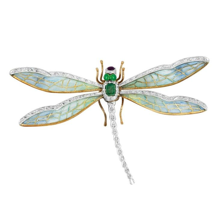 Dragonfly brooch: emerald body and eyes, diamonds, plique-a-jour multi-toned pearlescent enamel, and gold. Such artistry...