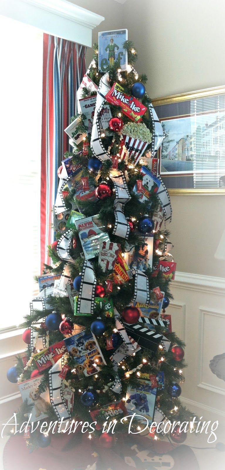 Movie themed treewouldn't want for main tree but cute