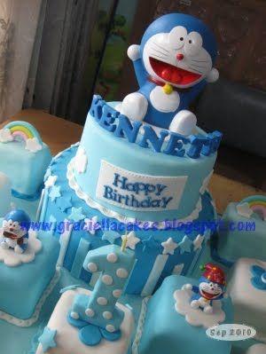 Doraemon Cake 2 tier & Mini Cake - Kenneth