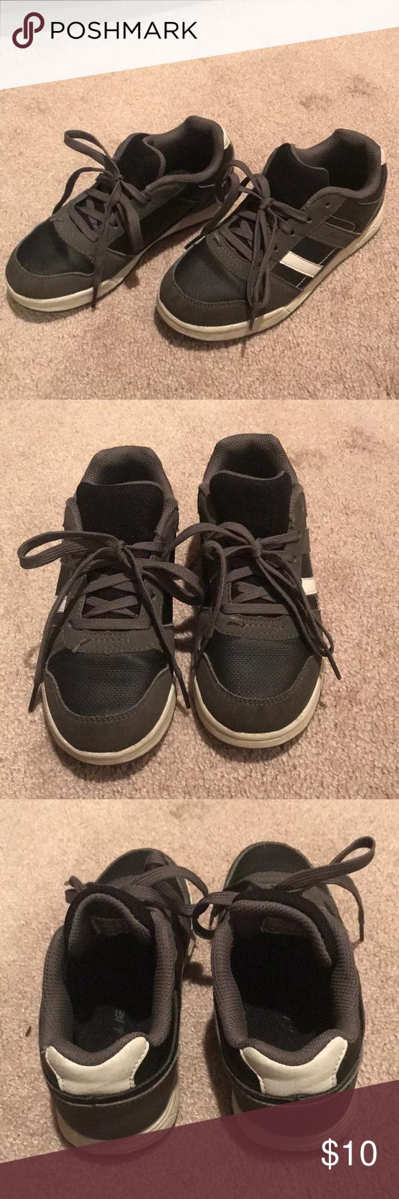 Boys sneakers 👟, size 1 in 2020   Boys